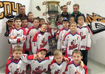 Главный трофей чемпионата КХЛ и цель для многих ребят.